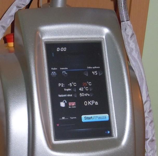 ovládání přístroje na kryolipolýzu